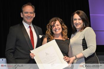 2014 Ontario Individual of the Year - Kelley McIntyre, Royal LePage Triland Realty, centre, flanked by Phil Soper and Shanan Spencer-Brown.