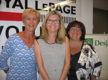 From left to right: Ms. Danielle L'Heureux, real estate broker, Royal LePage Évolution; Ms. Josée Bergeron, client; and Ms. Danielle De Lafontaine, Desjardins mortgage representative.