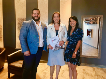 From left to right: Louis-Philippe Martin (Royal LePage Humania), Myriam Bourdon (finalist) and Myriam Fréchette (National Bank)